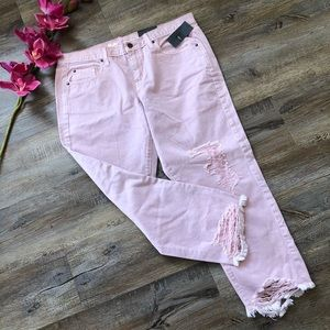 **NWT** Massimo boyfriend crop pink distressed.